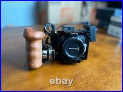 Blackmagic Micro Cinema Camera + Accesories (SD cards, Cage, Controller)