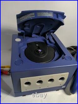 Nintendo GameCube Console Bundle + 2 Controllers + memory card