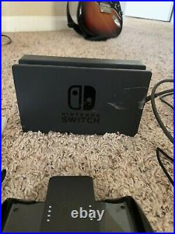 Nintendo Switch Console Bundle, controller With games, SanDisk 256 MicroSDXC-Card