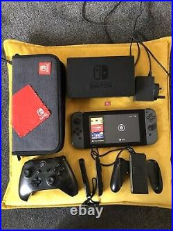 Nintendo Switch Grey Console, with SD Card, Carry Case and extra controller