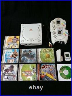 Sega dreamcast game lot 4 Games 2 Controllers 2 V Memorys Cards