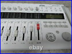 Zoom R16 Portable Multitrack Recorder Controller with adapterand 32GB memry card